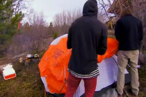 Mickey and Pete set up their tent on The Amazing Race Canada 2