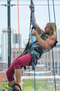 Mickey Henry climbs to the top of the Canadian Museum of Nature on the Finale of The Amazing Race Canada 2